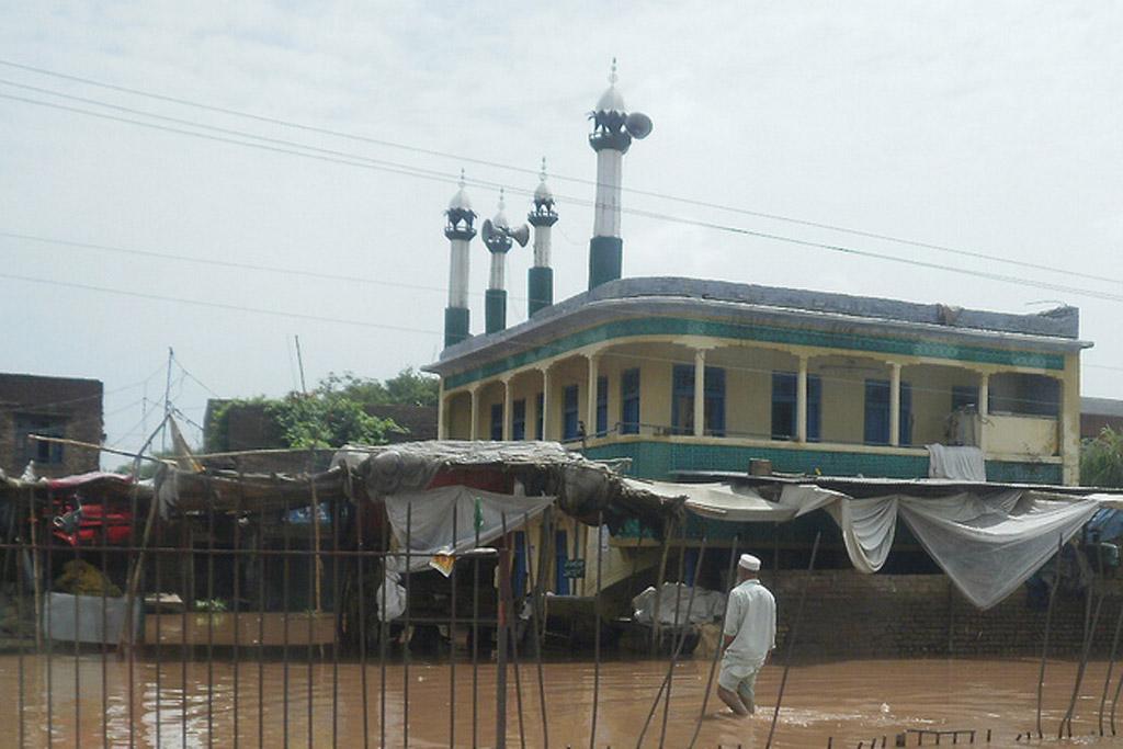 01-30-2015Pakistan_Mosque