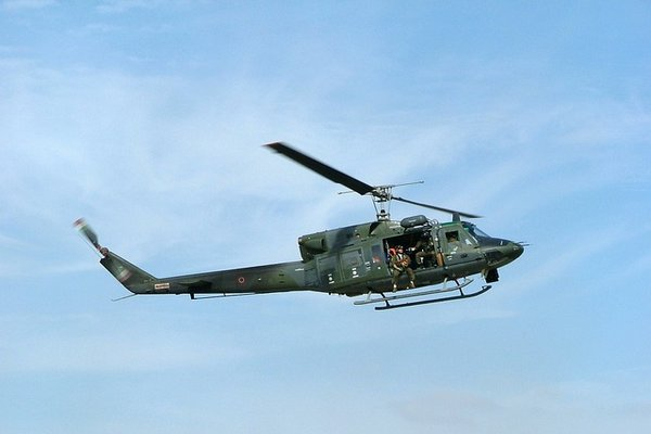 rsz_helicopter-317239_640